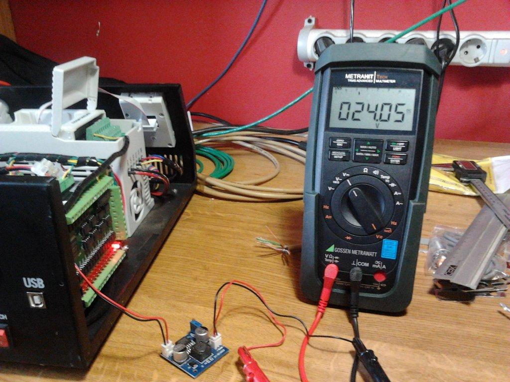 Ajuntando a 24VDC